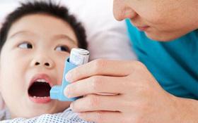 Hướng dẫn cha mẹ cách xử trí khi trẻ lên cơn hen phế quản
