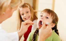 Viêm họng do virus: Có nên sử dụng kháng sinh hay không?