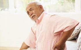 Thoát vị đĩa đệm cột sống ở người cao tuổi: biểu hiện, nguyên nhân và biến chứng thường gặp