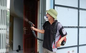 Nguy hiểm khi người dân tự ý phun thuốc diệt muỗi