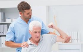 Tổng hợp các phương pháp điều trị thoát vị đĩa đệm cho người cao tuổi