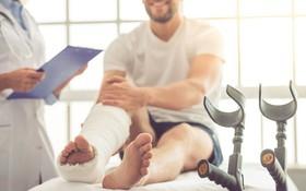4 cách hiệu quả để ngăn ngừa mất xương và gãy xương do loãng xương
