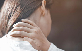 Thường xuyên đau cổ là bệnh gì?