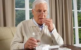 Những điều cần lưu ý khi điều trị loãng xương ở người già