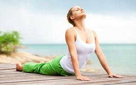 4 bài tập phòng ngừa cong vẹo cột sống