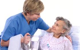 Hướng dẫn chăm sóc bệnh nhân bị bệnh xương khớp tại nhà