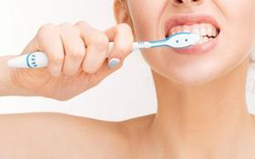 Hướng dẫn chăm sóc răng miệng trong và sau hóa trị liệu ung thư đầu cổ