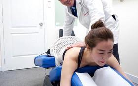 Phương pháp vật lý trị liệu phục hồi thoái hóa cột sống