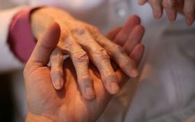 4 lưu ý cần nhớ về phẫu thuật chữa viêm khớp dạng thấp