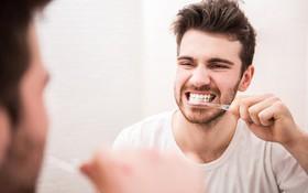 Bệnh nhân ung thư lưỡi có đánh răng được không?