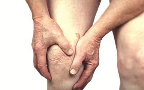 Đừng nhầm lẫn triệu chứng ung thư xương và đau nhức xương do viêm xương khớp hay gout
