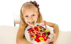 Trẻ em có nên ăn thực phẩm chứa đường hay không?