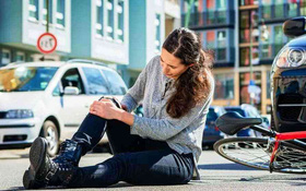 Chấn thương dây chằng chéo sau là gì? Nguyên nhân, triệu chứng và cách điều trị