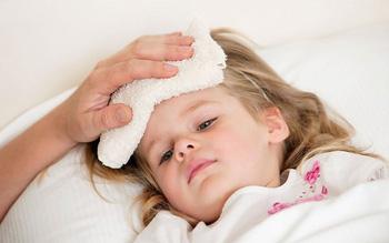 Biến chứng của bệnh cảm lạnh đối với trẻ nhỏ