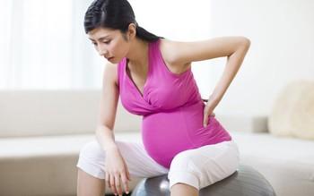 Nhớ ngay 5 điều sau để phòng tránh đau lưng ở bà bầu