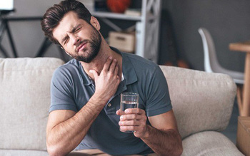 Đối phó với chứng khó nuốt trong ung thư vùng đầu cổ
