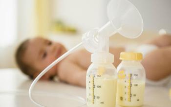 Cách hâm sữa mẹ đúng cách không làm mất chất