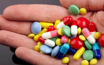 Dùng thuốc kháng sinh điều trị bệnh thủy đậu: Nên hay không?