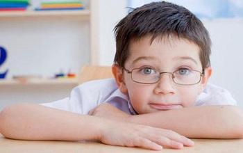 Nhận biết những đối tượng có nguy cơ cao mắc cận thị