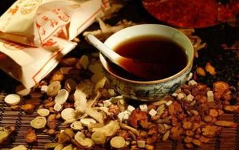Tìm hiểu các bài thuốc Đông y hỗ trợ chữa bệnh quai bị