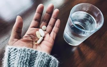 Nghiên cứu mới: Kẽm và Vitamin C không giúp giảm nhẹ các triệu chứng trong điều trị nhiễm COVID-19