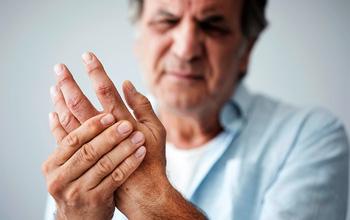 Không phải cứ đau xương khớp là điều trị bằng thuốc, bác sĩ chỉ ra 3 vấn đề quan trọng hơn cả