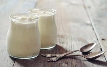 Tác hại của việc ăn sữa chua trong lúc uống kháng sinh