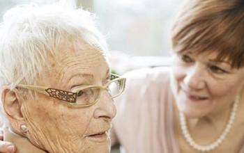 Những triệu chứng bệnh Alzheimer bạn có thể không để ý