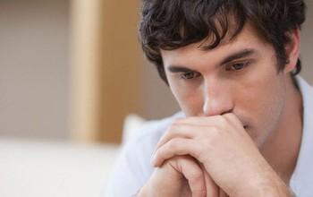 Nam giới có nguy cơ trầm cảm do bị cong dương vật