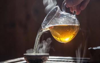 Nguyên nhân ung thư thực quản đến từ thói quen uống trà mỗi ngày