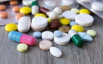 Điều trị bệnh vô sinh ở nam giới bằng thuốc
