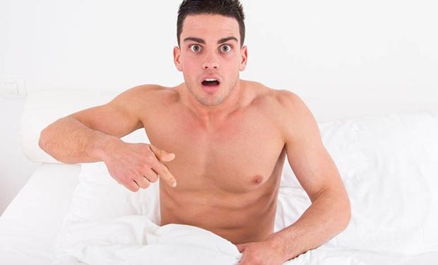 """Khi cậu nhỏ không """"chào cờ"""" vào buổi sáng, nam giới đang gặp phải vấn đề gì?"""