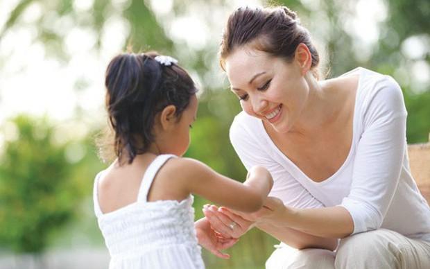Những nguyên tắc dạy giáo dục giới tính cho trẻ bố mẹ nhất định phải biết