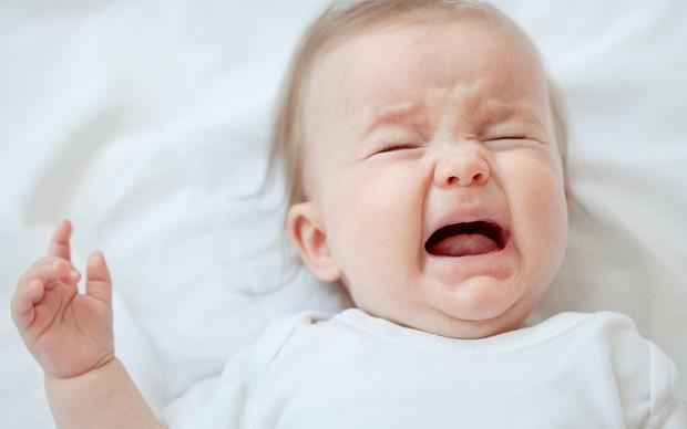 Cách xử trí khi trẻ sốt mọc răng