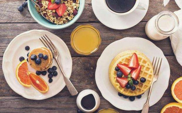 Hướng dẫn cách ăn uống giúp bệnh nhân ung thư tăng cân