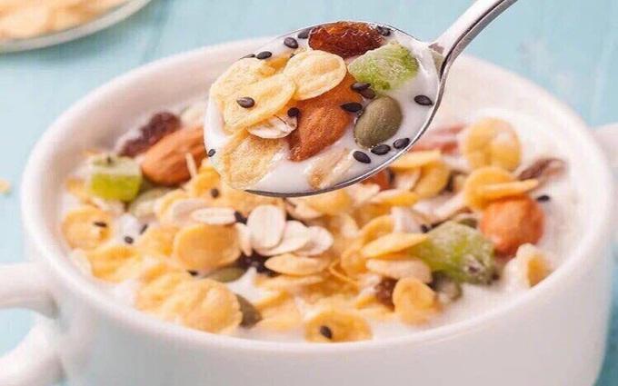 Ăn ngũ cốc giảm cân đúng cách và lưu ý khi sử dụng ngũ cốc để giảm cân hiệu quả