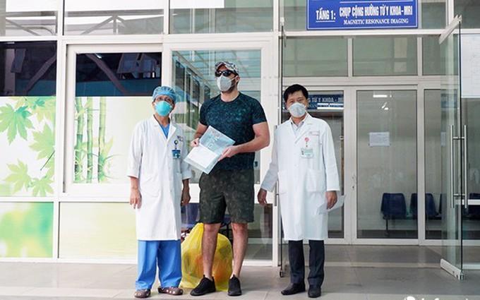 Vì sao 5 bệnh nhân mắc Covid - 19 dương tính trở lại sau công bố khỏi bệnh?
