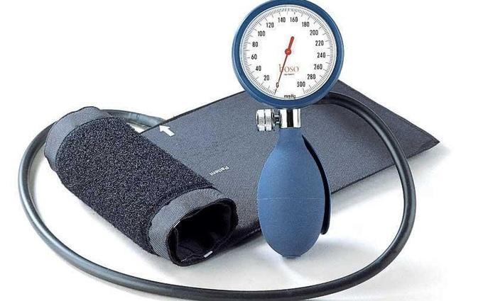 Lựa chọn máy đo huyết áp: Những tiêu chí và lưu ý bạn nhất định phải biết