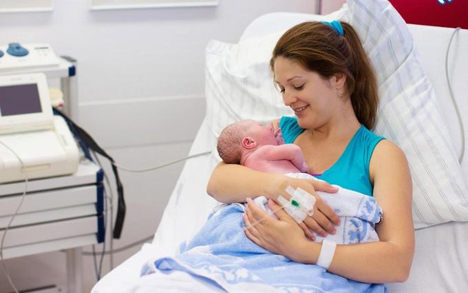 Sau sinh bao lâu thì hết sản dịch? Mẹ sau sinh cần lưu ý gì khi còn sản dịch?
