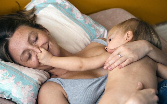 Trẻ sơ sinh bú sữa mẹ có huyết áp thấp hơn, sức khỏe tim mạch tốt hơn