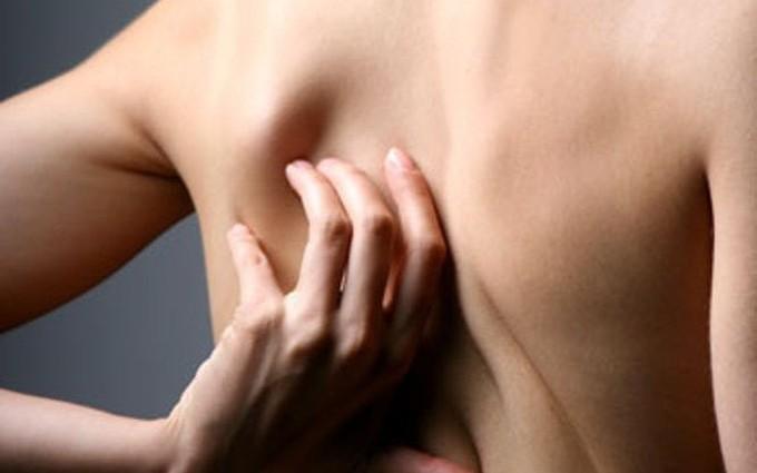 Các dấu hiệu trên cơ thể cảnh báo gan đang bị nhiễm độc nặng