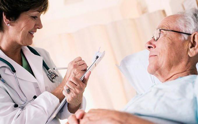 Bệnh tiêu hóa ở người già bùng phát mạnh trong dịp nắng nóng