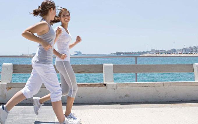 5 bài tập giảm cân mùa hè cho vòng eo thon gọn cực hiệu quả