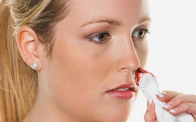 Chữa chảy máu cam bằng cây cỏ mực, cách đơn giản nhưng cực hiệu quả