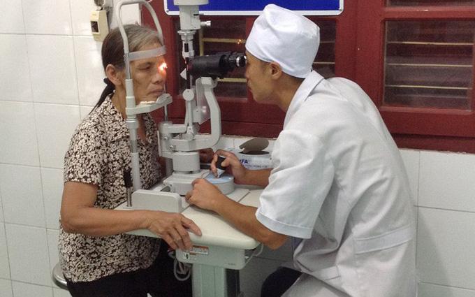 Có cách điều trị viêm dây thần kinh thị giác không?