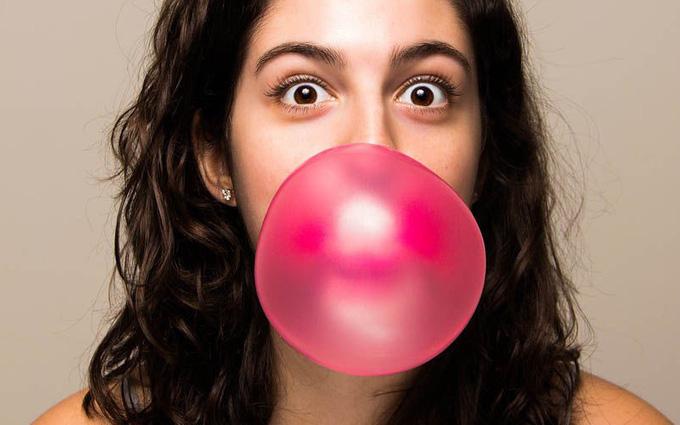 Tác hại của nhai kẹo cao su vào trong chế độ ăn uống