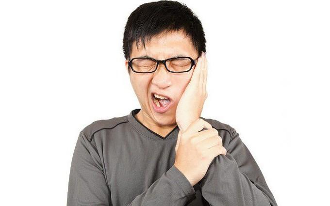 Đánh răng không đúng cách: Nguyên nhân hàng đầu gây co rút lợi