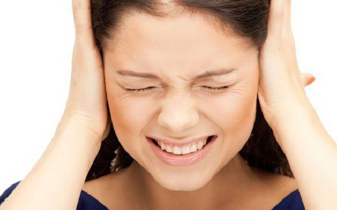 Nguyên nhân gây ù tai là gì? Bị ù tai có nguy hiểm không?
