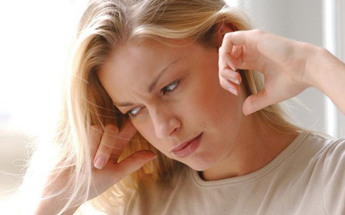 Ù tai báo hiệu điều gì? Tình trạng này có nguy hiểm không?
