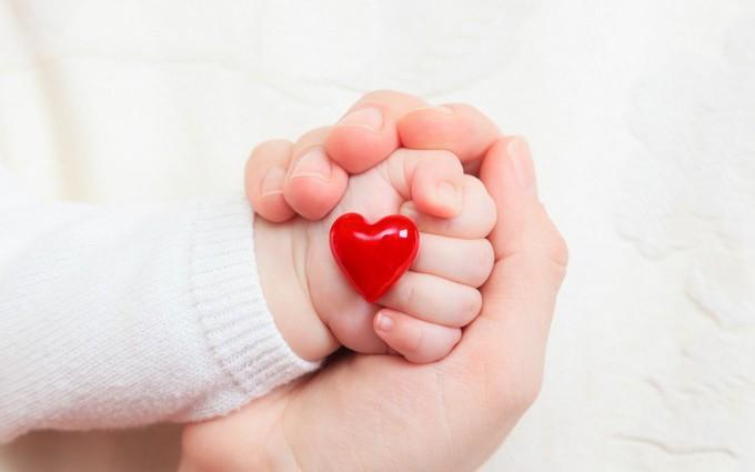 Con bị dị tật bẩm sinh, mẹ cũng có thể mắc bệnh tim đến cuối đời